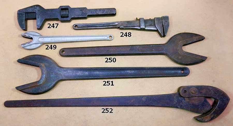 Antique Pipe Wrench Best 2000 Antique Decor Ideas